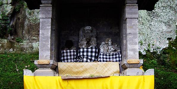 バリ島の白黒柄の布
