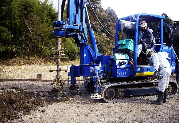 今日おこなわれた地盤改良工事