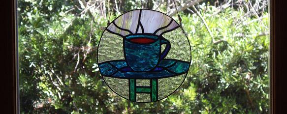 地元の方がホタルカフェのために作ってくださったステンドグラス
